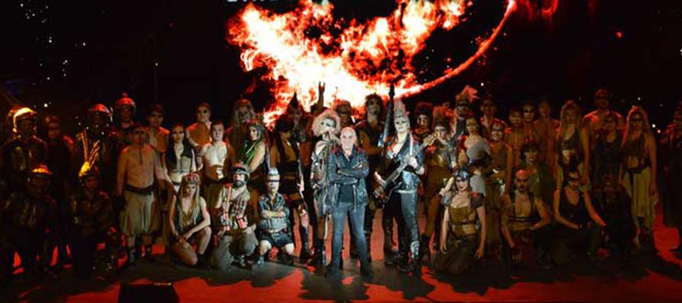 El Circo De Los Horrores Nos Lleva Al Fin Del Mundo Con Apocalipsis Teatro Barcelona