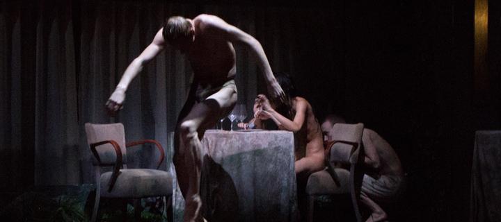 Peeping Tom: Díptic: La porta absent i La cambra perduda